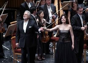 Plácido Domingo pone en pie al público del Real con su homenaje a España
