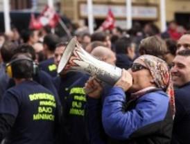 Los bomberos de la capital votan ponerse en huelga