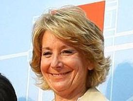 Aguirre emplaza a Rajoy a reflexionar tras la decisión de María San Gil