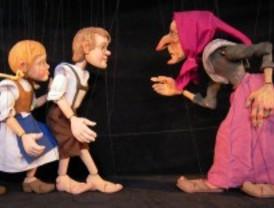 Cuentos populares 'al calor' de las marionetas