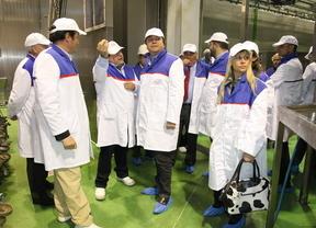 Soler apoya a los emprendedores en su visita a 'La casa de la carne'
