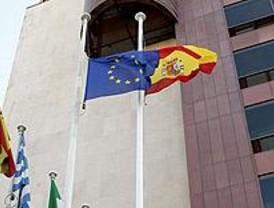 Madrid inaugura de la Presidencia española de la UE con un izado de banderas
