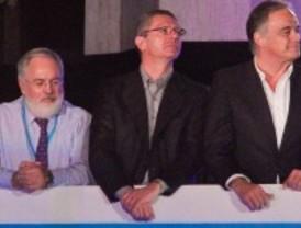 Rajoy vence a Aguirre y Gallardón en Madrid