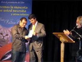 Presentado el libro del primer certamen de relato corto Vallecas Cuenta