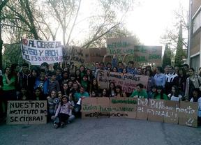Encierro en el IES Barrio de Bilbao contra la supresión de la ESO