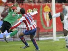 1-0. Un gol de Diego Castro propicia un sufrido triunfo al Sporting