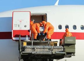El avión que repatriará al religioso con ébola cuenta con una cámara de aislamiento y dos equipos médicos