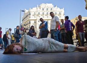 Manifestación de hologramas contra la 'ley mordaza'