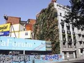 El primer jardín vertical de España puede verse en el Paseo del Prado