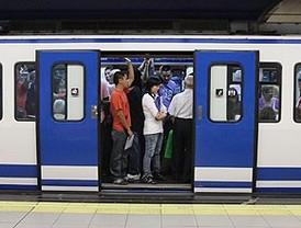 Madrid recupera el Metro al 50% y la normalidad en las calles