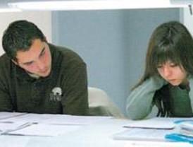 Concluye el plazo para solicitar becas educativas para madrileños en el mundo