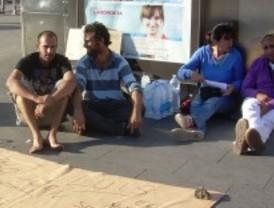 Cuatro personas en huelga de hambre en Sol por la dignidad