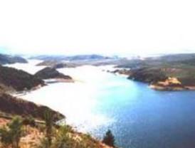 Las reservas de agua se mantienen estables en la última semana