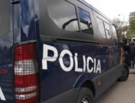 Detenidos dos ladrones que usaban látex líquido