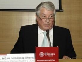 Arturo Fernández cree que la clase media pagará patrimonio