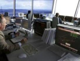 Las horas extra de los controladores pasan factura a AENA
