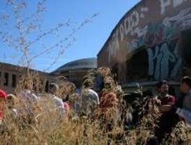 Vecinos de Aluche y Carabanchel reivindican el uso social de la antigua cárcel