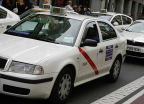 Un taxista, acusado de violación, declara que la víctima consintió la relación
