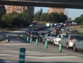 Lunes de intenso tráfico en las carreteras