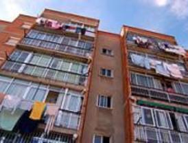 Más de cien jóvenes se concentran en Sol por una vivienda digna