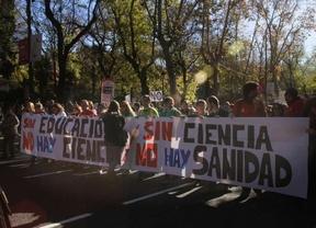 Una 'marea tricolor' toma las calles de Madrid