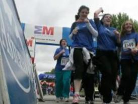12.000 mujeres participan en una carrera contra el cáncer de mama