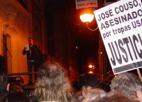 Manifestación en apoyo a la familia de José Couso ante la sde del PP.
