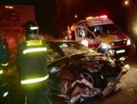 Herido grave al perder el control de su coche y salirse de la vía a gran velocidad en la A-5