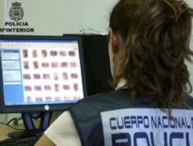 Detenido por engañar a varias menores ofreciéndoles 4.000 euros para tener cibersexo