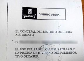 Denuncian que la Junta de Usera daba carnés para entrar gratis en polideportivos
