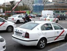 Casi todos los madrileños consideran que los taxis son caros