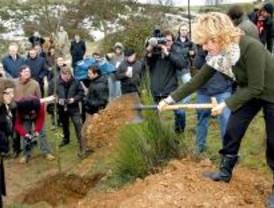 Aguirre planta el árbol 6 millones del Plan de Repoblaciones
