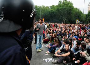 La Coodinadora 25S vuelve al Congreso en una protesta contra la monarquía
