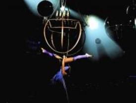 El Teatro Circo Price ofrece técnicas circenses y de magia para los más jóvenes