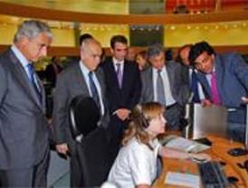 Una delegación brasileña visita el centro del 112 en Pozuelo