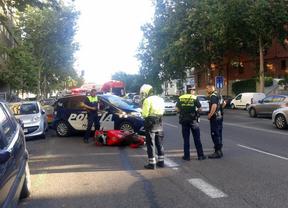 En estado crítico un motorista de 29 años tras colisionar contra un turismo