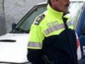 La Policía Local de Móstoles detiene a unos padres por abandonar a su hijo en el coche