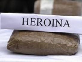 Encuentran heroína en el sistema hidráulico de frenos de un camión