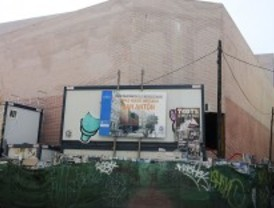 Los comerciantes del mercado de San Antón anuncian que el centro abrirá a principios de mayo