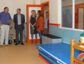El alcalde de Valdemoro, José Carlos Boza, visita el colegio público número 10