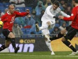 2-0. El Real Madrid vence al Mallorca bajo una intensa nevada