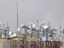 Un vecino de Móstoles presenta un recurso de amparo en el TC por las antenas