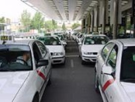 La bajada de bandera de los taxis subirá 1,15 euros las noches de fines de semana y festivos