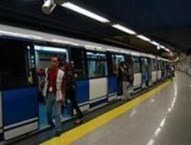 Este martes la moda desfila por la estación de metro de Chamartín