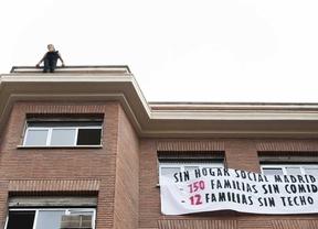 Desalojado sin incidentes el edificio okupado por neonazis en Chamberí