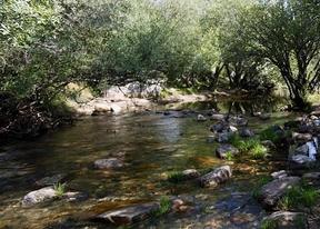 Los nudistas madrileños eligen La Pedriza y el Pantano de San Juan