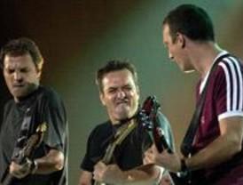 Hombres G presenta éxitos y nuevas canciones en La Riviera