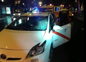 Fallece el joven que fue atropellado por un taxi al cruzar el Paseo del Prado