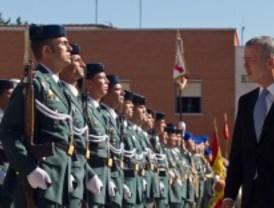 Camacho homenajea a la Guardia Civil en Valdemoro