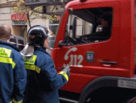 Aparatoso incendio en la calle de Zurbano
